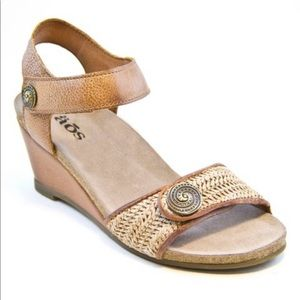 TAOS Camel Holiday Distressed Leather Wedge Sandal